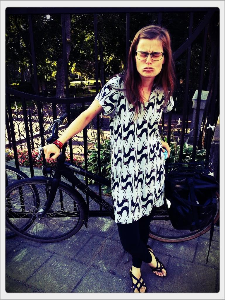 Fair Trade blogg hållbart mode klänning ekologisk bomull 130821 x
