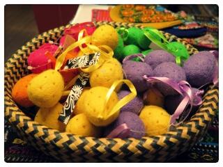 Fair Trade blogg besök hos Fair Monkey påskägg